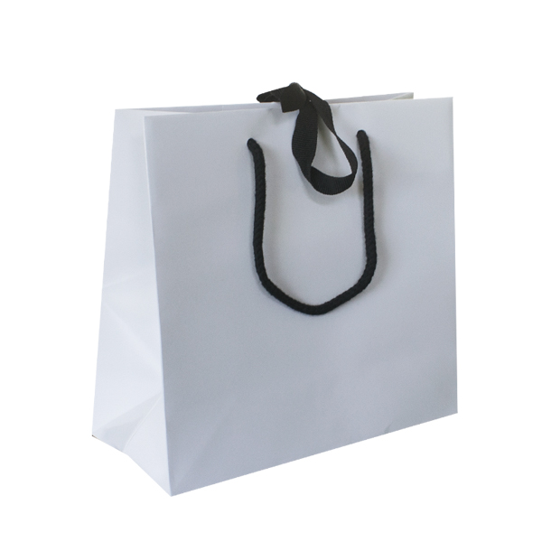 small-white-ribbon-tie-carrier-bags-600x600.jpg 92856934a8bfb